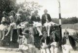 Index card 1931 - Miss Keen, Miss Pugh and students (Biology & Art, Chilham expedition)
