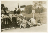 Index card 1929-1931 - Miss Keen, Miss Pugh and students