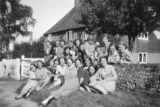 Index card 1937-1939 - Students outside Stockbury Farm
