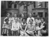 Index card 1937-1938 - Students in the garden at Kingswood